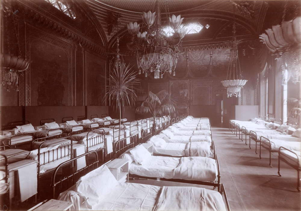 Banqueting Room of Royal Pavilion laid out as a hospital ward, c1916